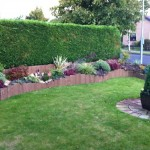 Traditional Landscaped front Garden